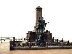 Le monument élevé, à Blankenberg à Lippens et De Bruyne, deux héros du Congo